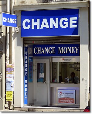 Currency Exchange Office Paris France