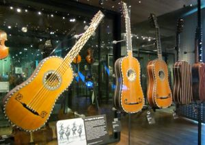 17th century guitars, Musee de la Musique, Paris