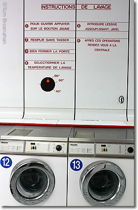 Paris Laundromat/Laundrette
