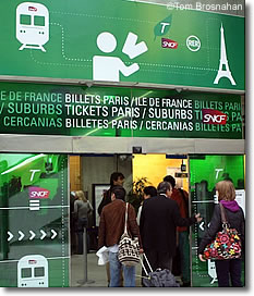 buying train tickets at cdg airport paris france. Black Bedroom Furniture Sets. Home Design Ideas