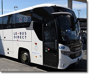 Le Bus Direct CDG Airport to Paris, France