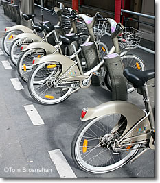 Bikes In Paris France Velib Bikes Paris France