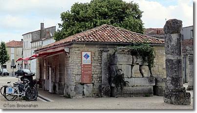 Tourist Information For Saintes France